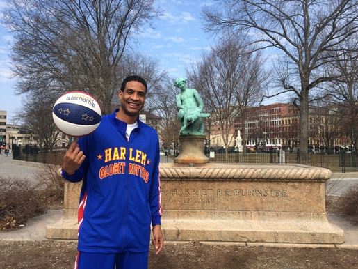 A Day With A Harlem Globetrotter